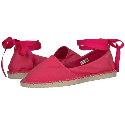 Havaianas Flats Slip-on design with ankle wrap ties. 8852367