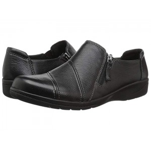 Clarks Loafers Side zip for easy on and off. 9082048